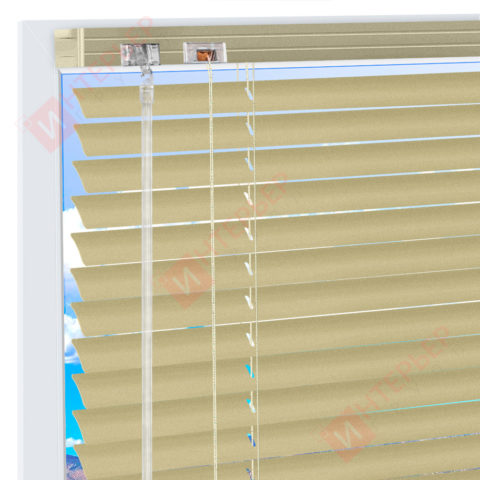 Горизонтальные алюминиевые жалюзи на пластиковые окна - цвет жемчужно-белый